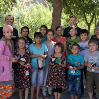 Deliver diabetic advice and gifts to type-1 diabetic children in Tajikistan